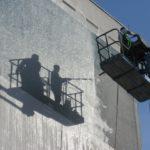 Fassadenreinigung: selbst machen oder durch den Fachmann?